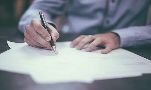 El supuesto carácter público del expediente de contratación