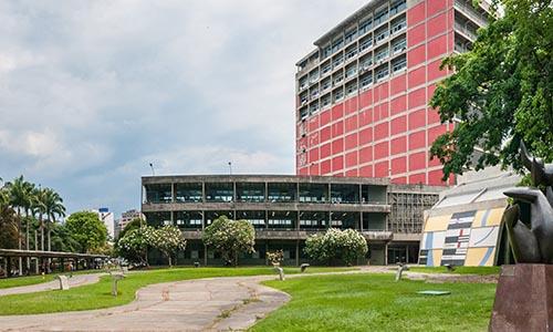 Los Anuarios del postgrado en Derecho y Ciencias Políticas de la Universidad Central de Venezuela
